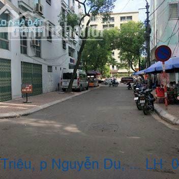 Bán nhà mặt phố Bà Triệu, p Nguyễn Du, Hai Bà Trưng 100m2 giá 65 tỷ