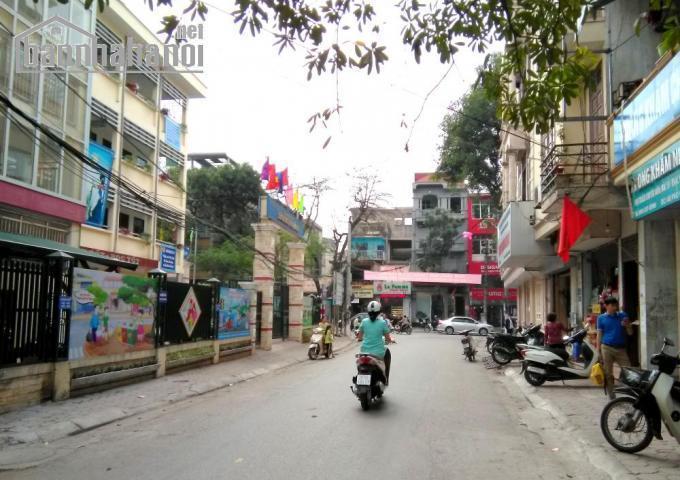 Bán nhà mặt phố Cảm Hội 60m2x3T MT:5,2m giá 11tỷ