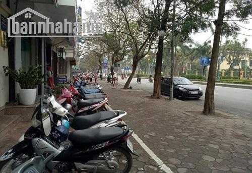 Bán nhà mặt phố Hoàng Quốc Việt 80m2x5T MT:4,2m giá 25tỷ